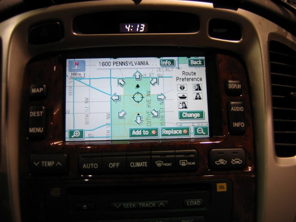 Toyota_highlander_hybrid_gps